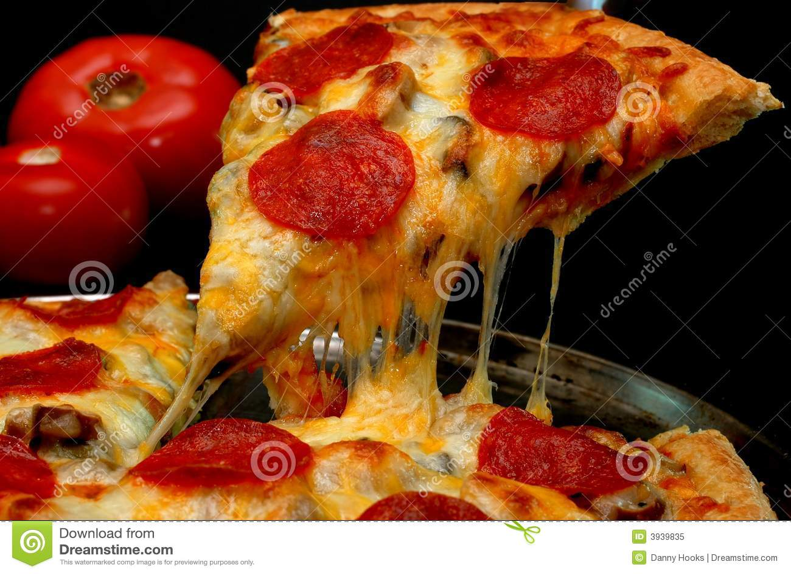 Rebanada de la pizza de salchichones