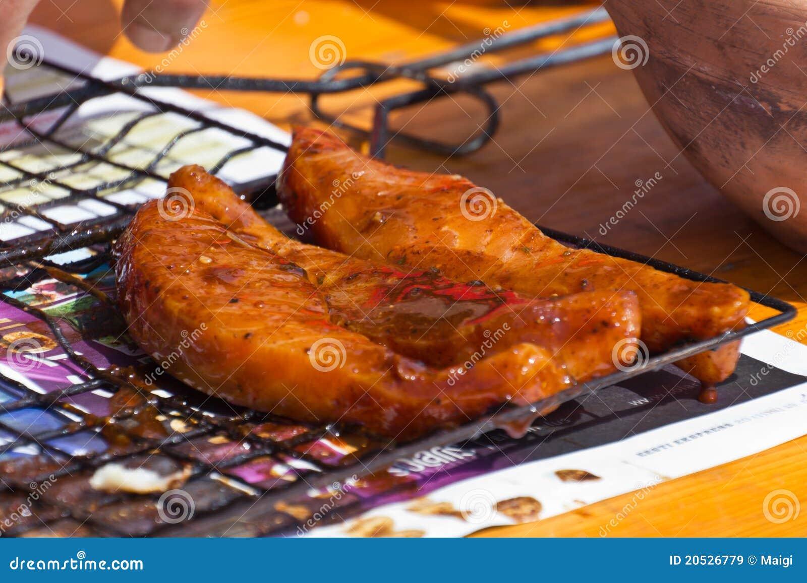 Rebanadas de los salmones del Bbq