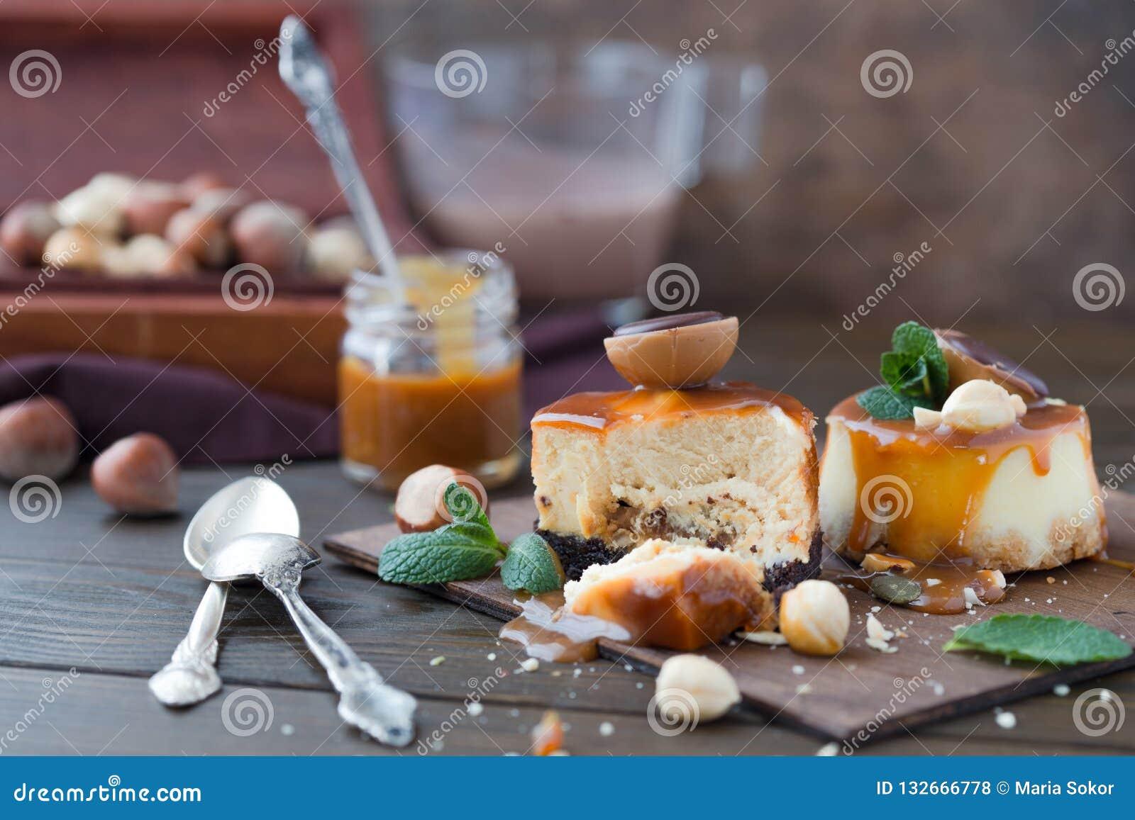 Receita tradicional do bolo do inverno do bolo de queijo do Natal Fatia do bolo de queijo