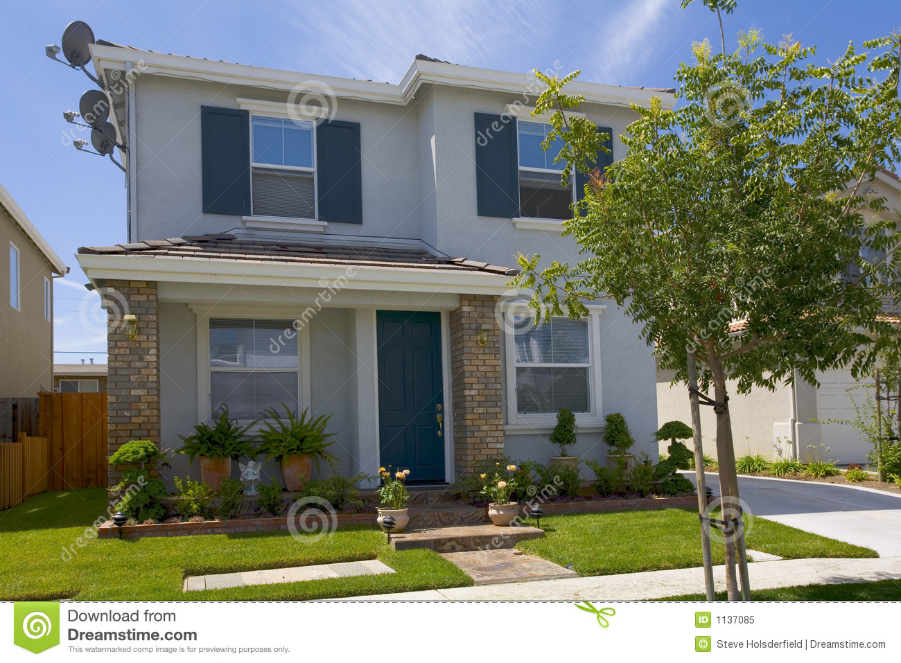 Recently Constructed Urban Home Stock Image Image Of Front