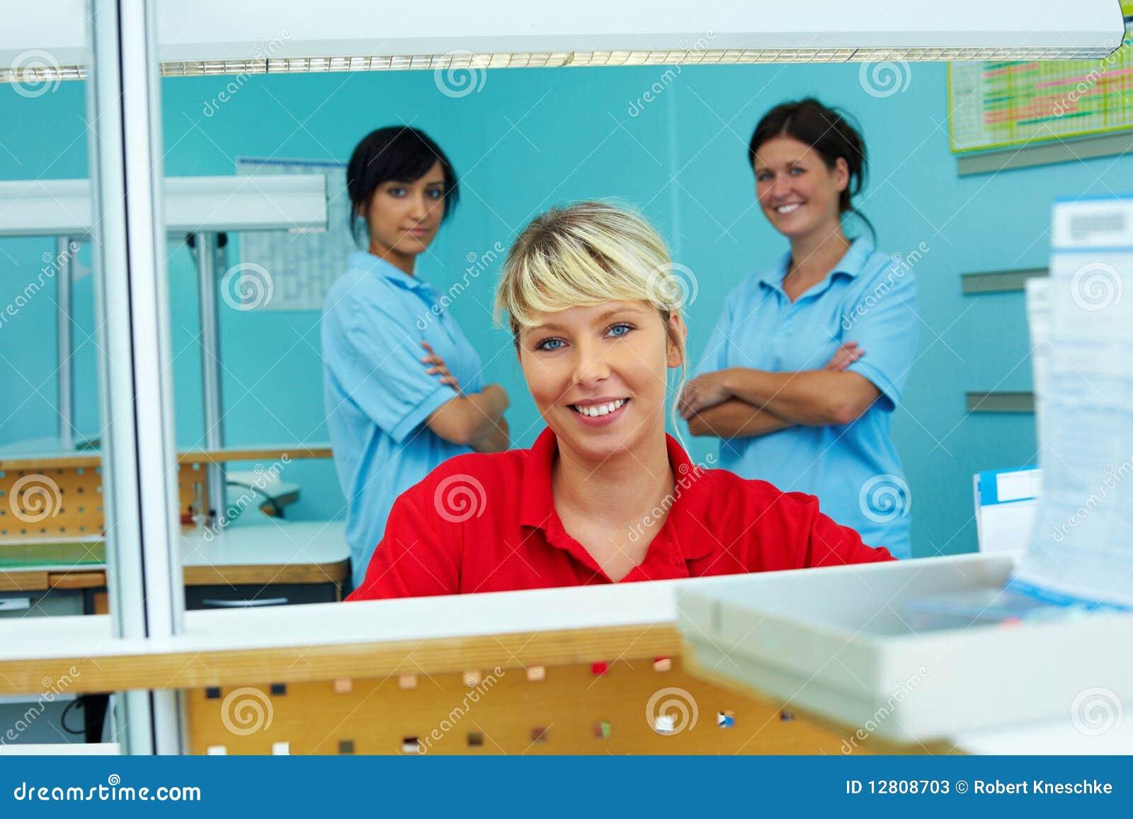 Recepção na clínica dental