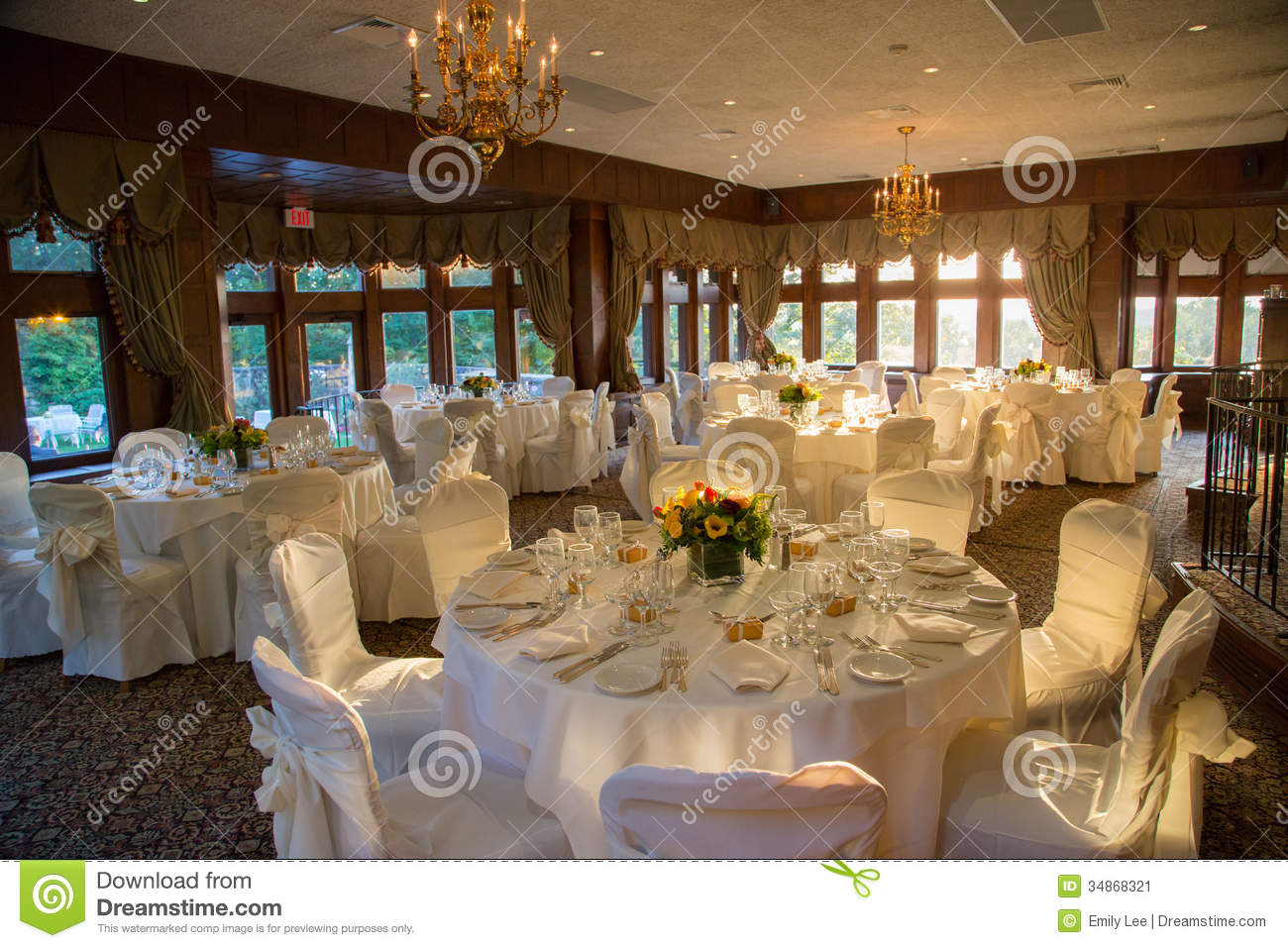 Reception Hall Ready stock image Image of detail  : reception hall ready dining room le chateau south salem ny all set up to host simple elegant wedding 34868321 from www.dreamstime.com size 1300 x 957 jpeg 205kB
