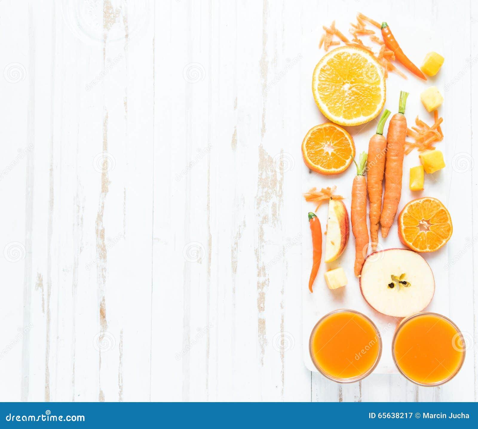 Recette pour le smoothie d orange, de carotte et de pomme