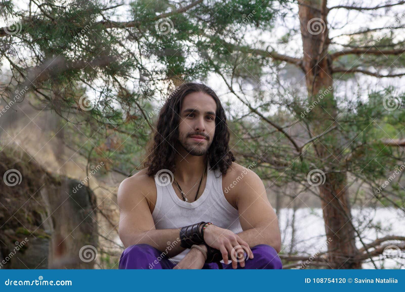 Homme recherche de la solitude [PUNIQRANDLINE-(au-dating-names.txt) 68
