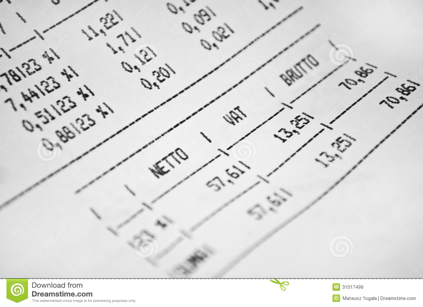 Rechnungsblatt Mit Preisen Und Steuer Stockbild - Bild von gesetz ...