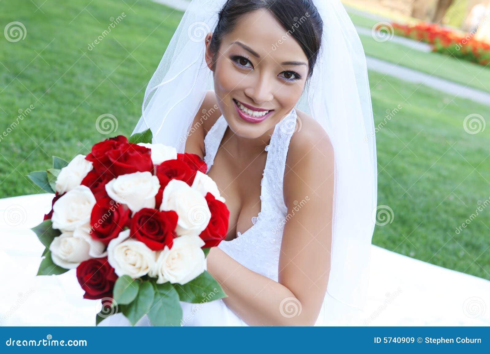 С азиатскими невестами 18 фотография