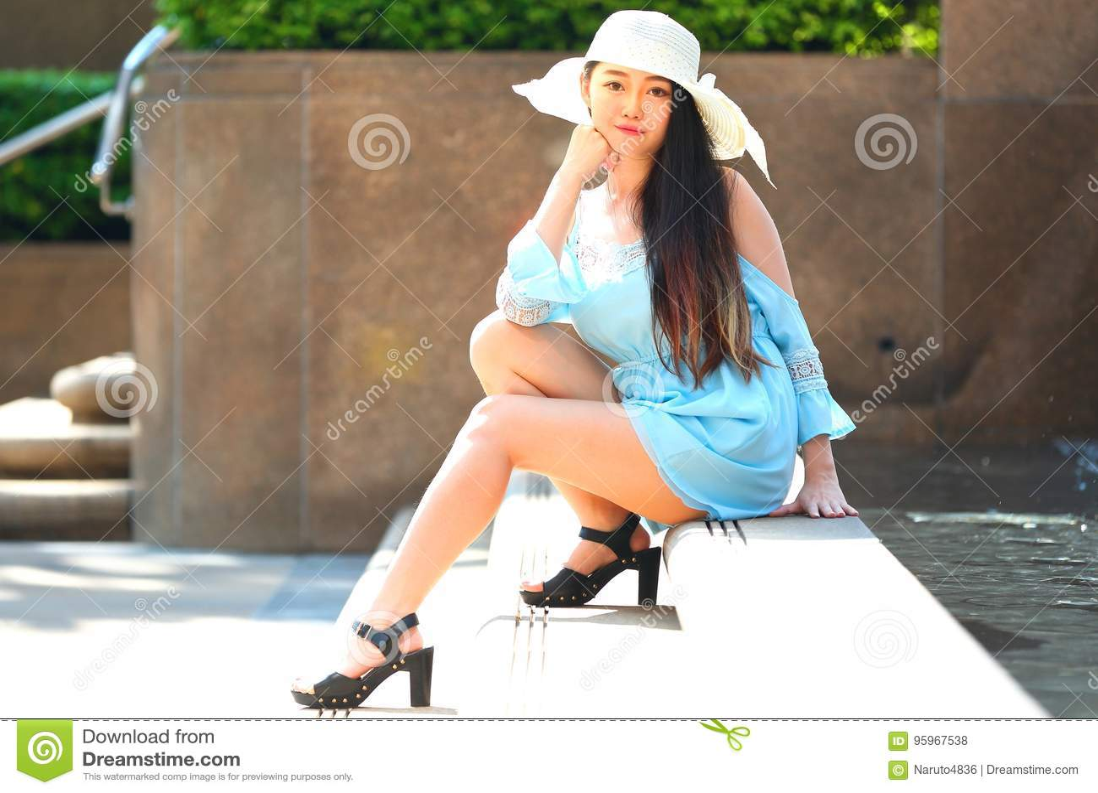 Recht asiatisches Mädchen