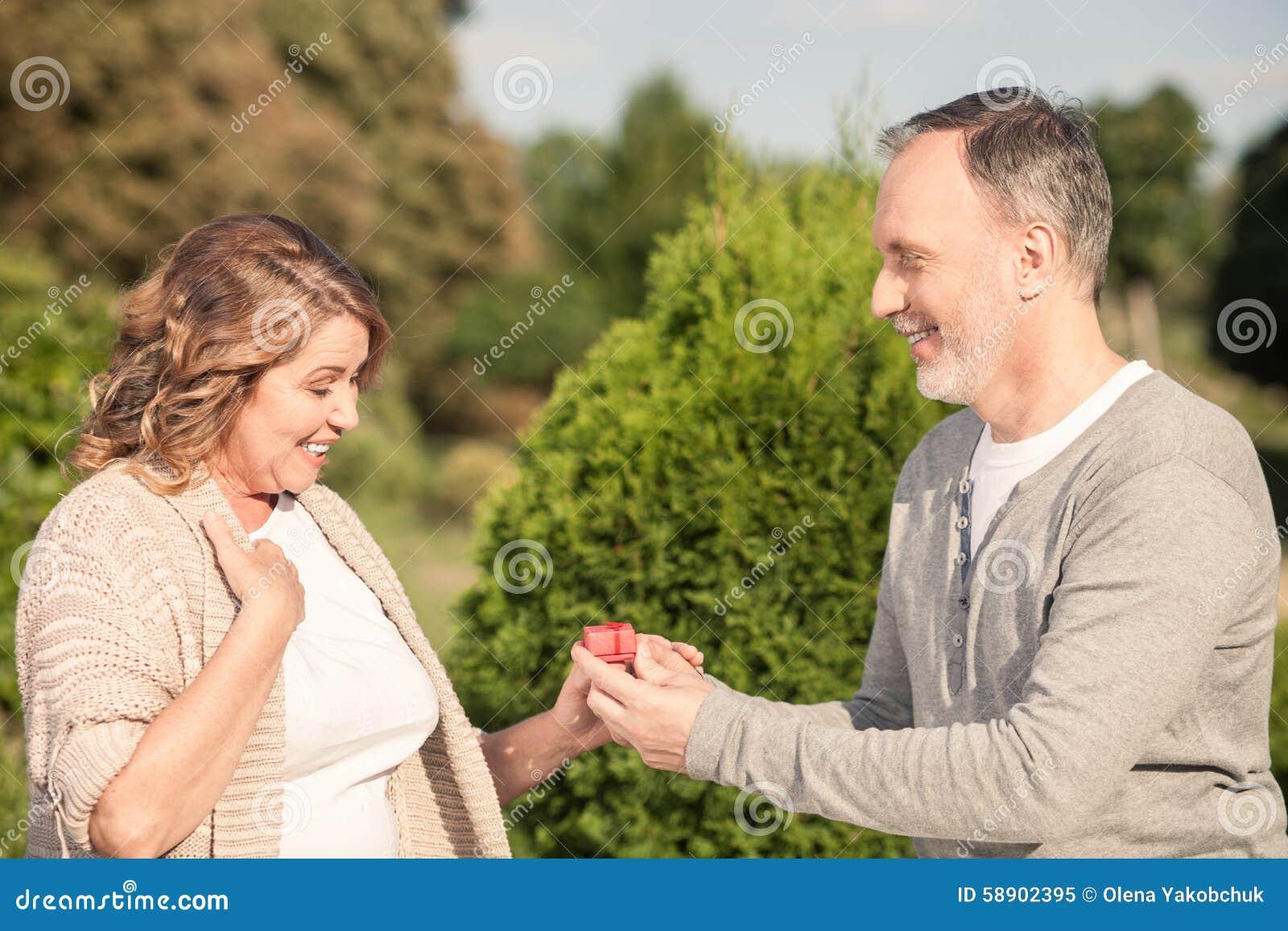 Ich datiere eine ältere Frau Senior Dating-Portland oregon