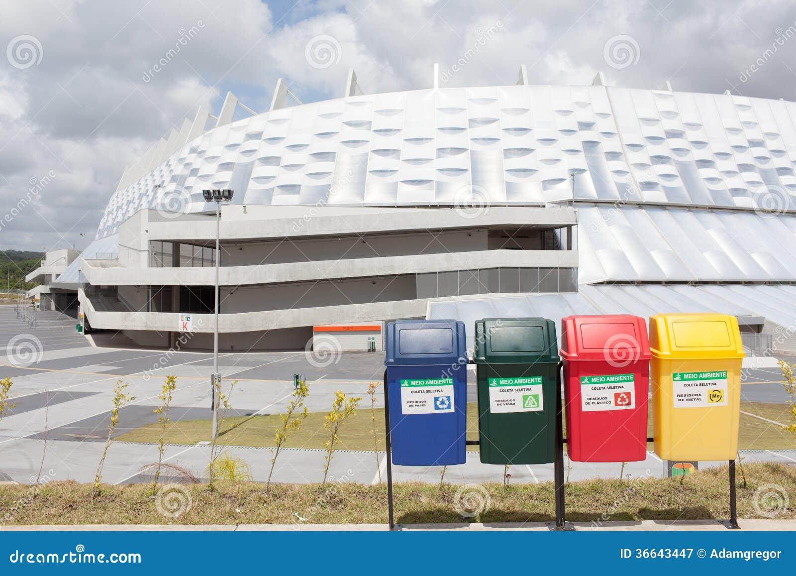 Reciclagem durante o campeonato do mundo em Brasil