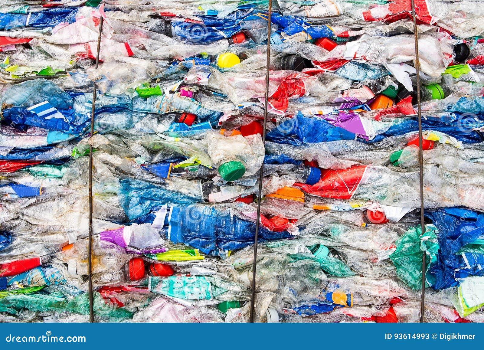 Reciclando o plástico e salvar a terra