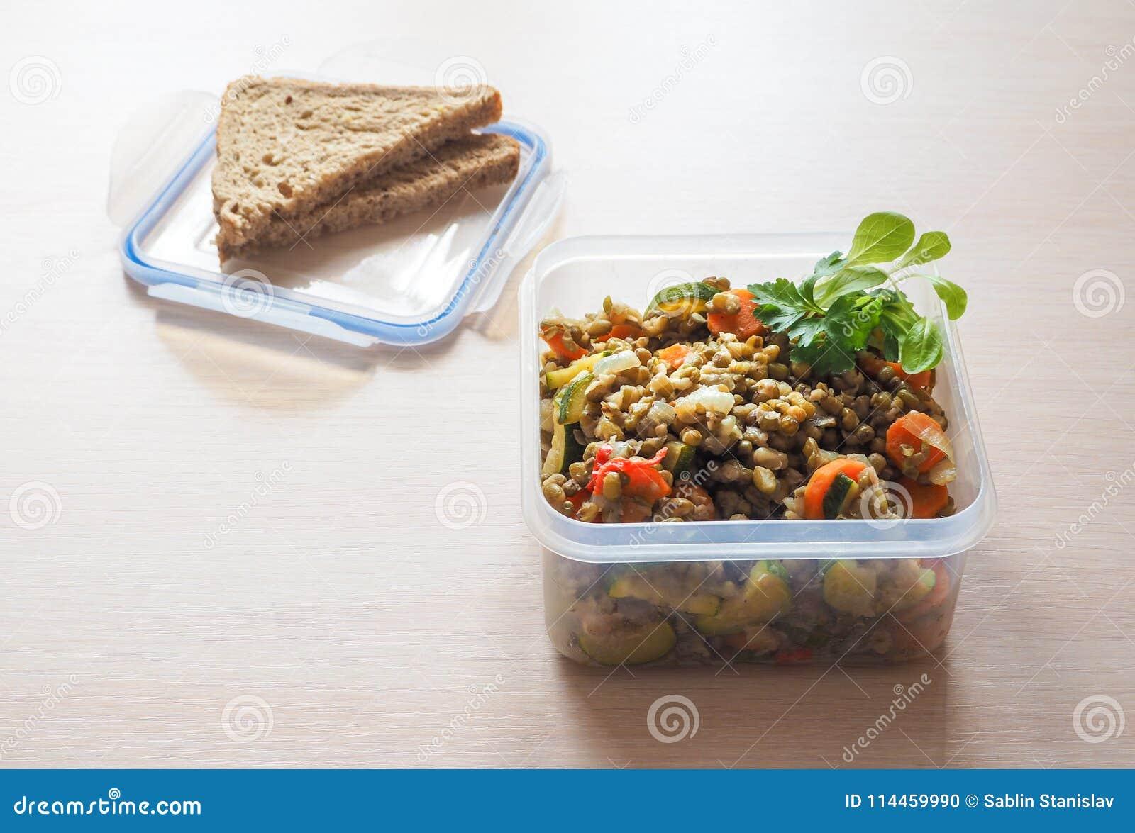 Recipientes de armazenamento plásticos vazios do alimento o conceito do armazenamento a longo prazo dos produtos