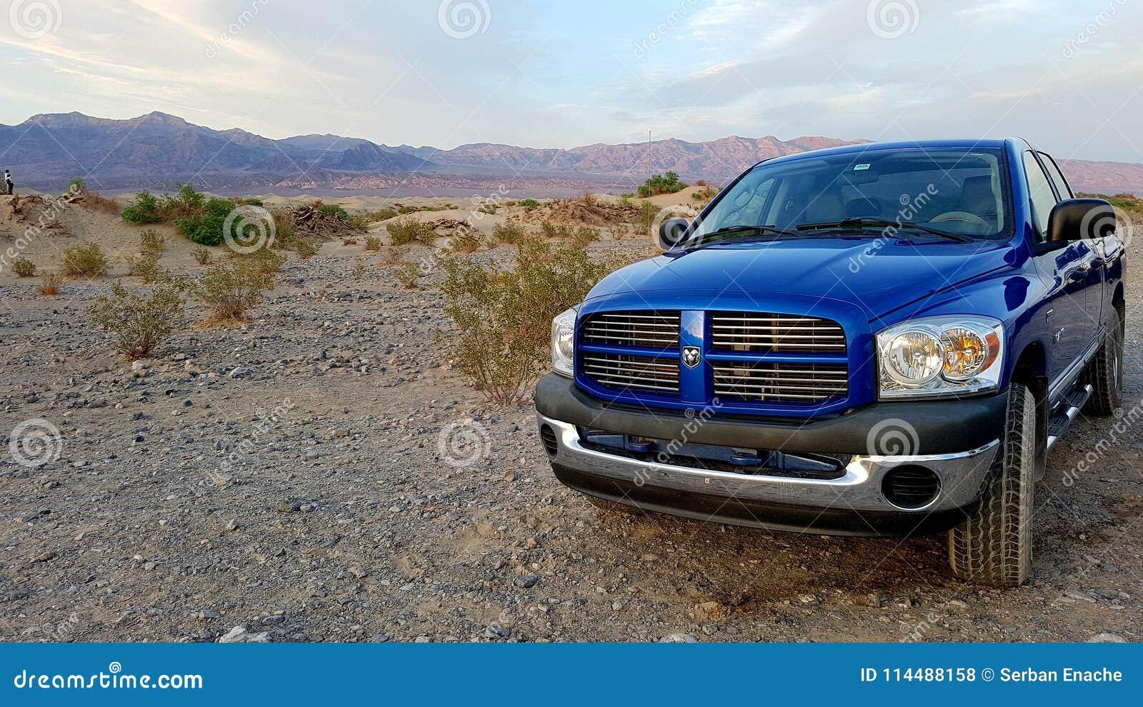 Recogida azul del Ram de Dodge