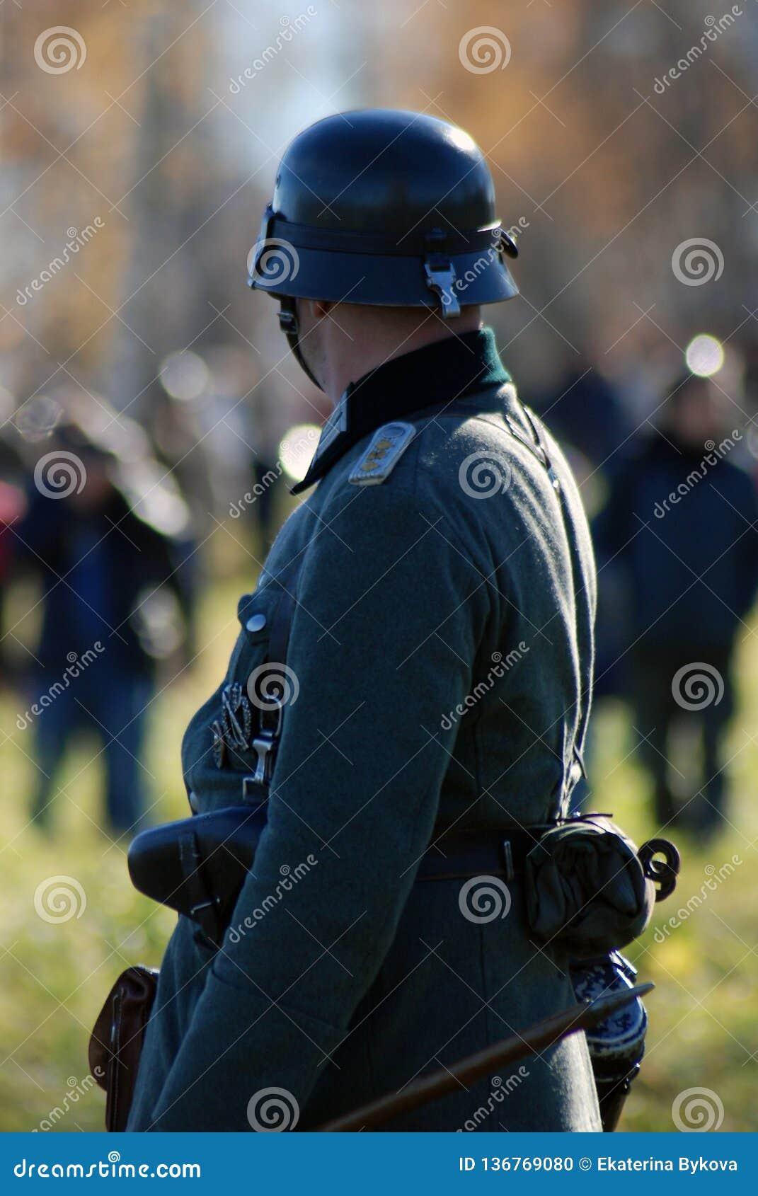 Reconstitution historique de bataille de Moscou Soldats-reenactors allemands