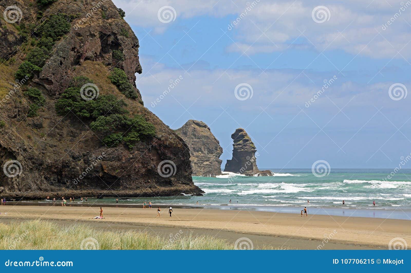 Recreation on Piha Beach