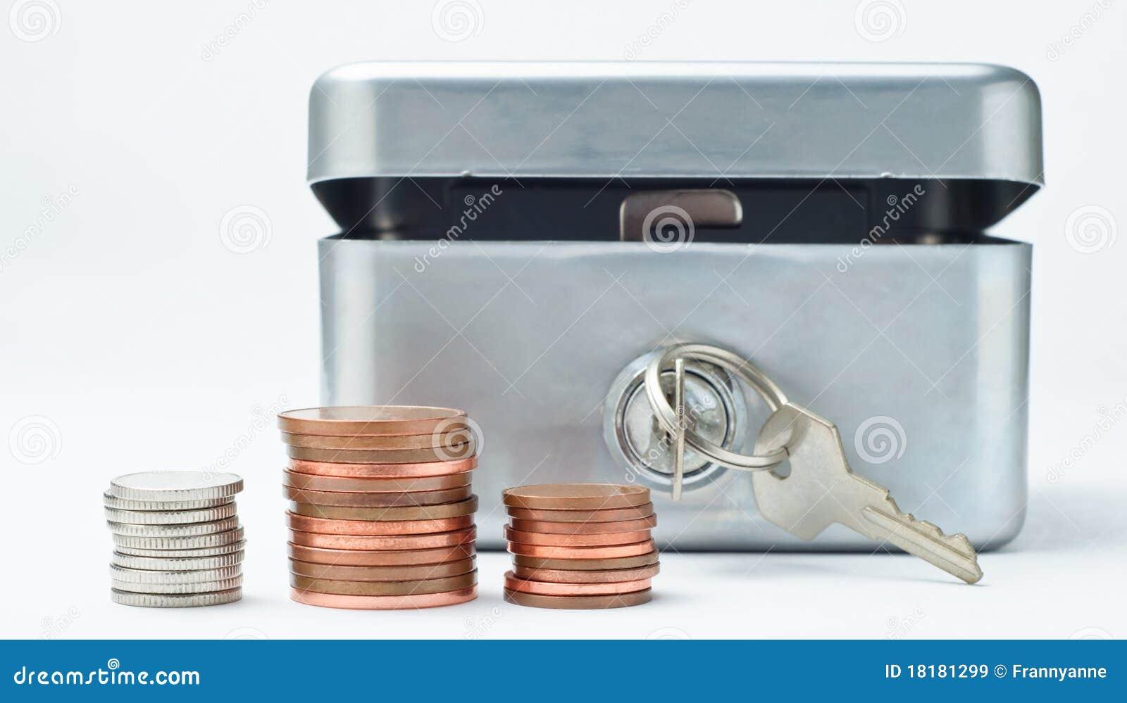 Rectángulo de dinero con las monedas