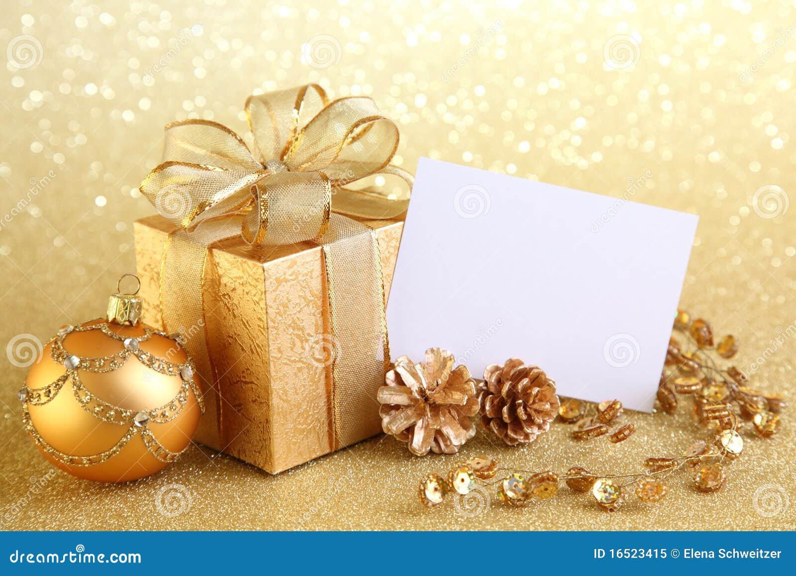 Rectángulo de regalo de la Navidad con las bolas de la Navidad