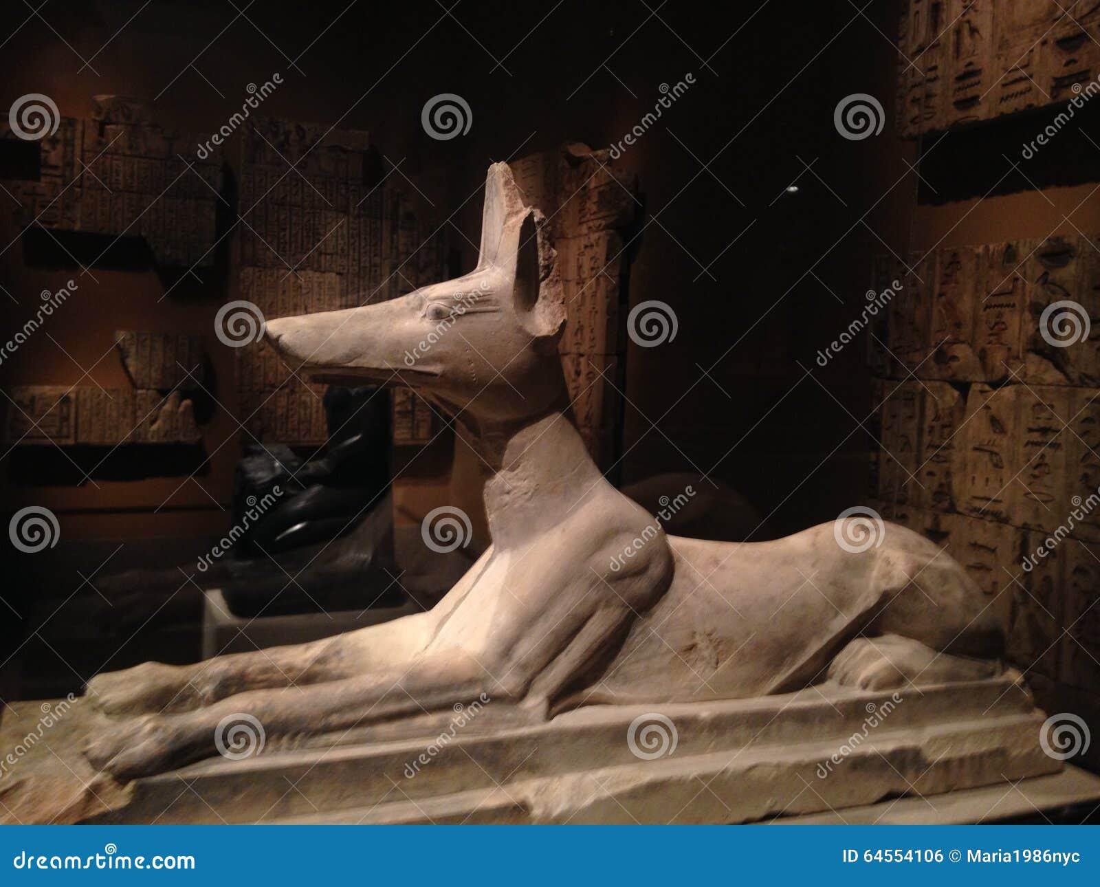 Recumbent Anubis Statue in Metropolitan Museum of Art.