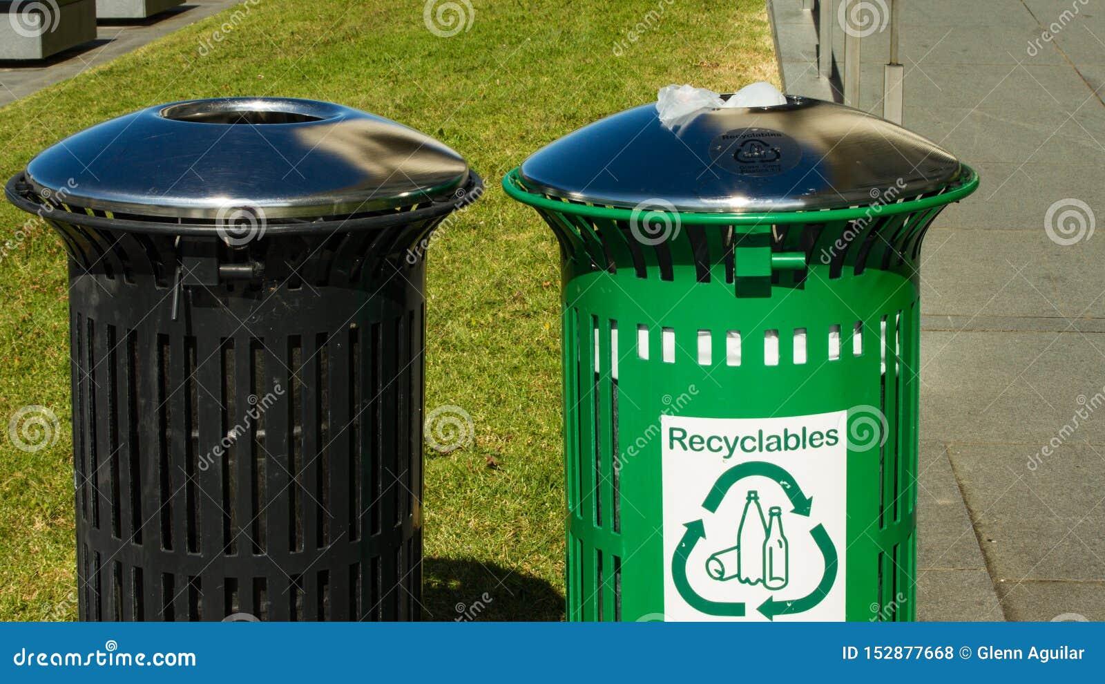 Recyclable bin and a trash bin side by side