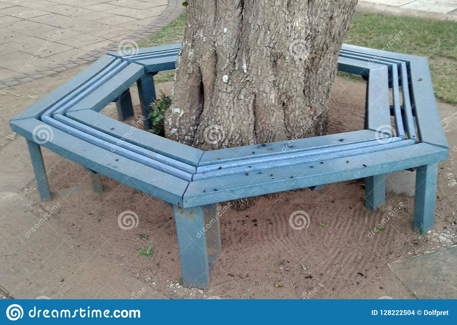 Picture of: Recycled Plastic Used To Manufacture New Park Bench Around Tree Stock Photo Image Of Lifestyle Idea 128222504