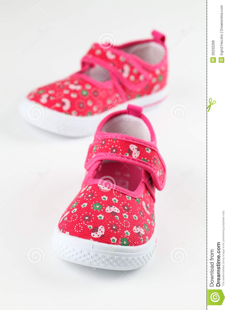 Royalty Free Stock Photos: Red baby shoes