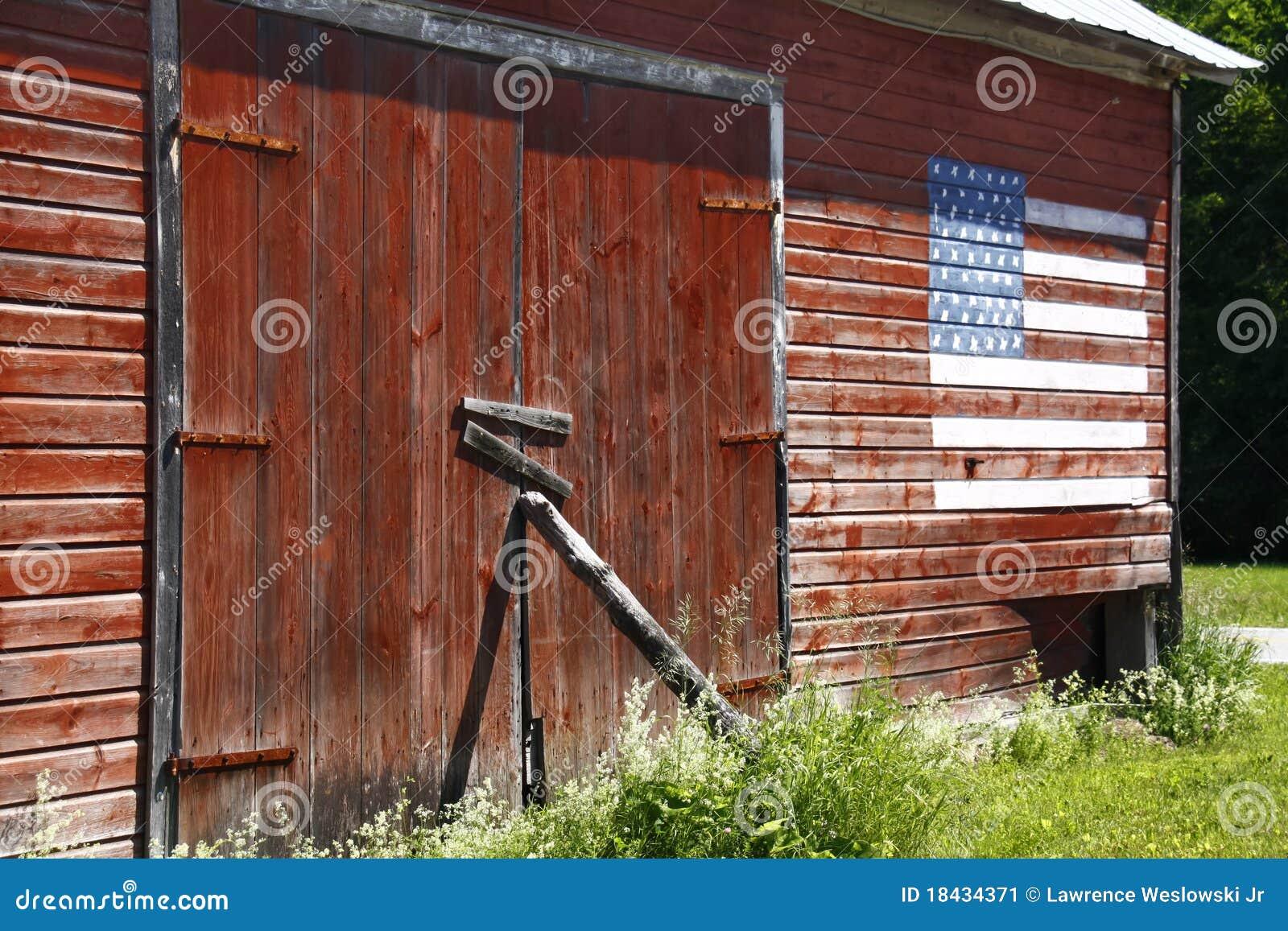 Red Barn, American Flag