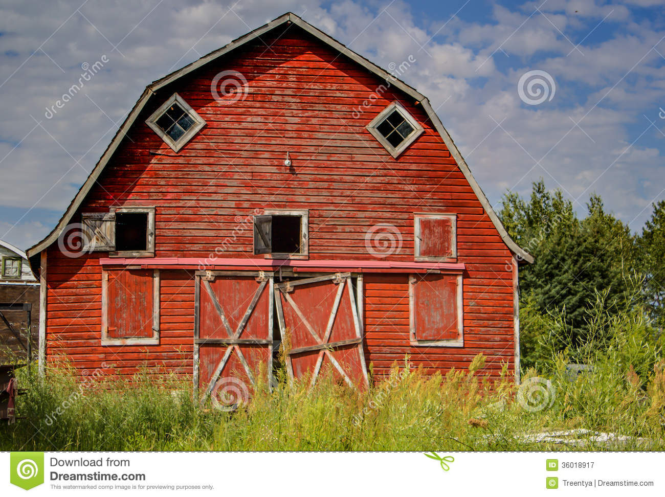 Red Barn Stock Image Image Of Tall Summertime