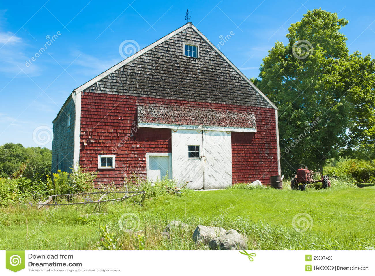 Red Barn In Maine Stock Photo Image Of Countryside
