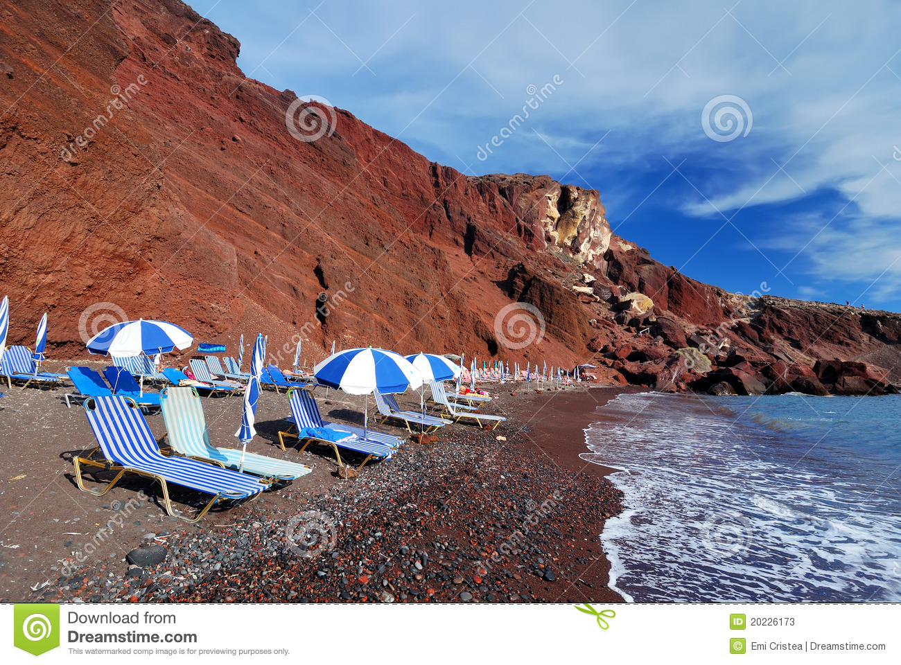 red beach santorini island thira greece stock image image 20226173. Black Bedroom Furniture Sets. Home Design Ideas