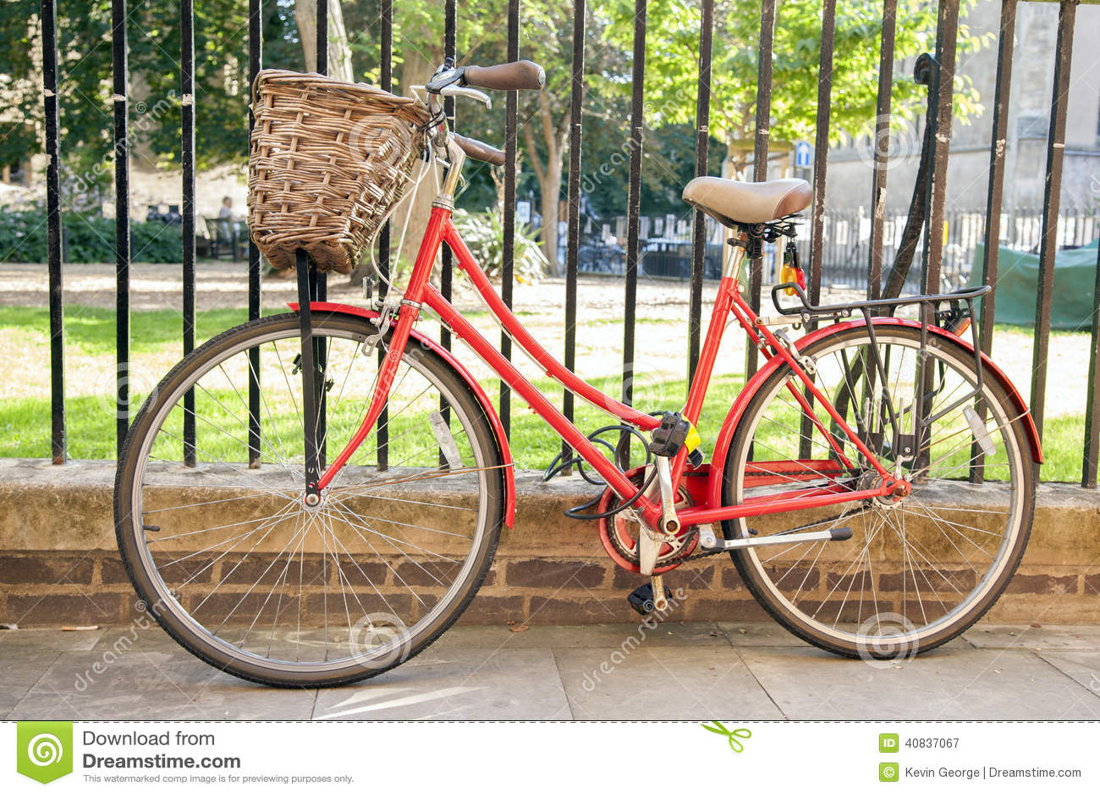 Red Bike in Cambridge