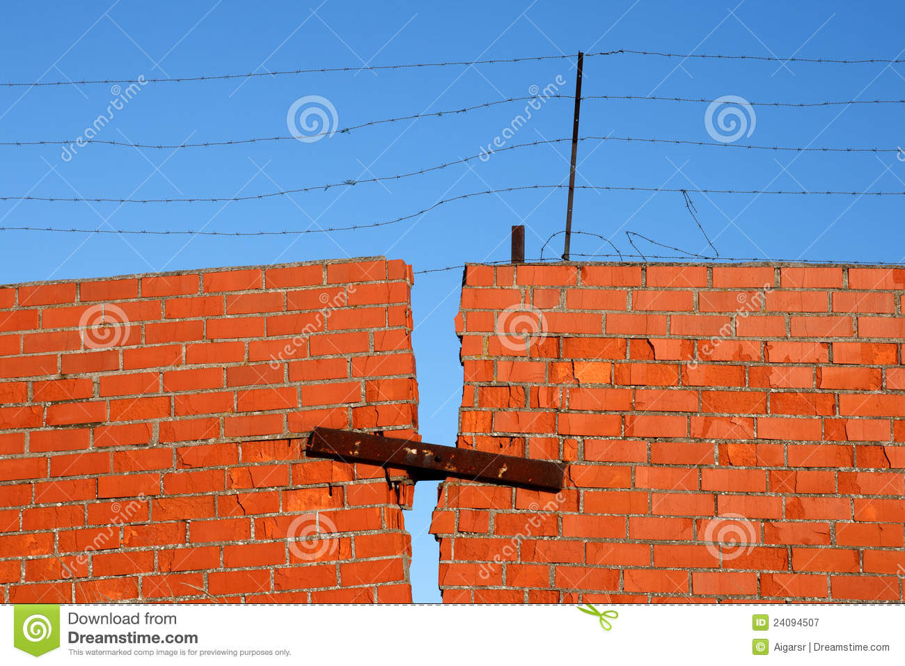 how to find a broken wire in a wall