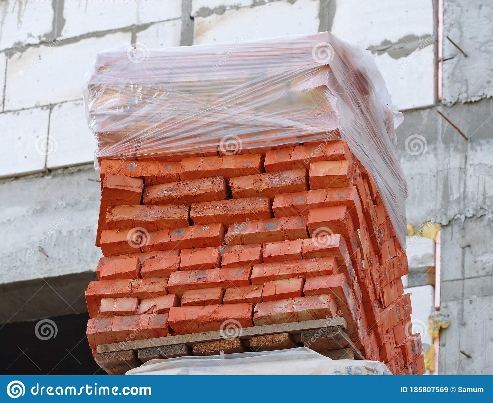 Red Bricks Stacked On Wooden Pallet Stock Image Image Of Exterior Pile 185807569