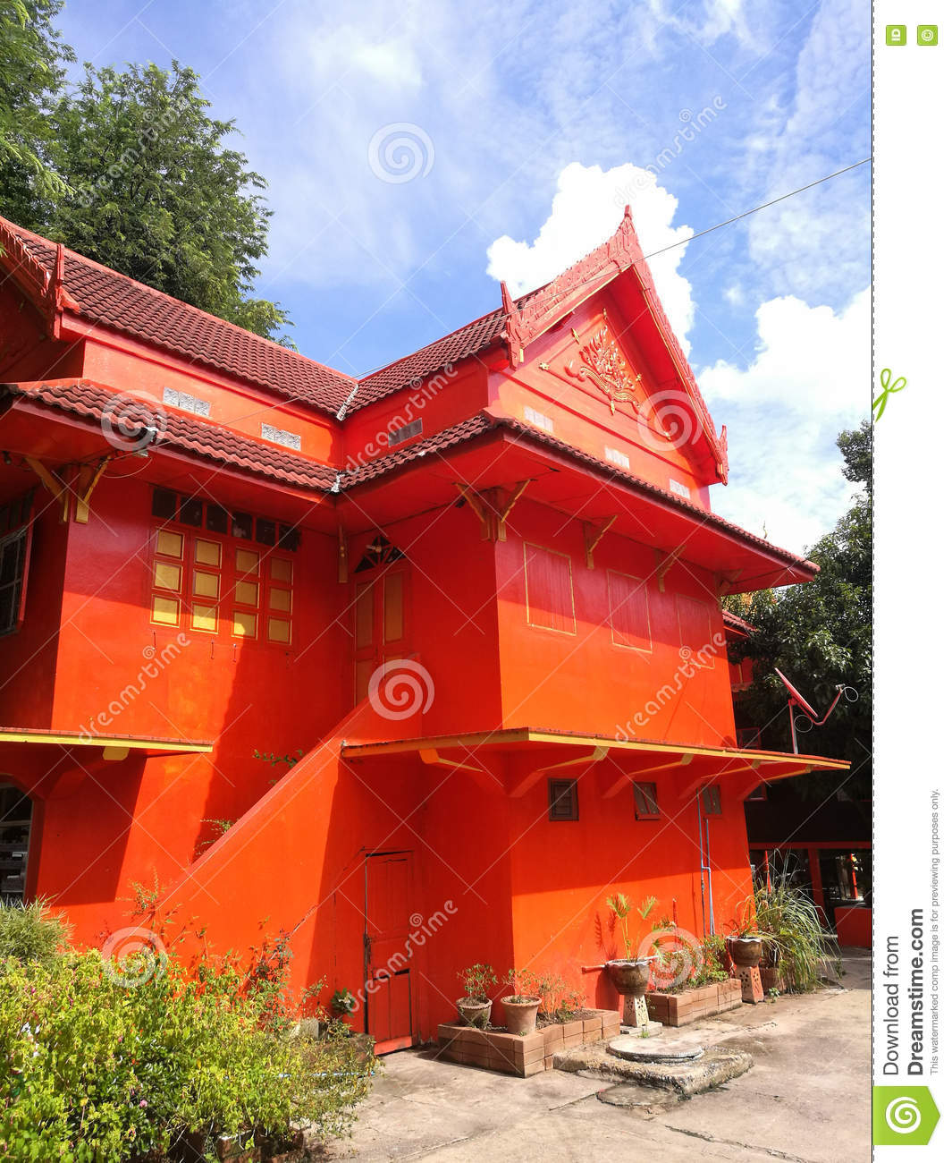 buddhist singles in red house The buddhist path to simplicity: spiritual practice in everyday life - kindle edition by christina feldman download it once and read it on your kindle device, pc, phones or tablets.