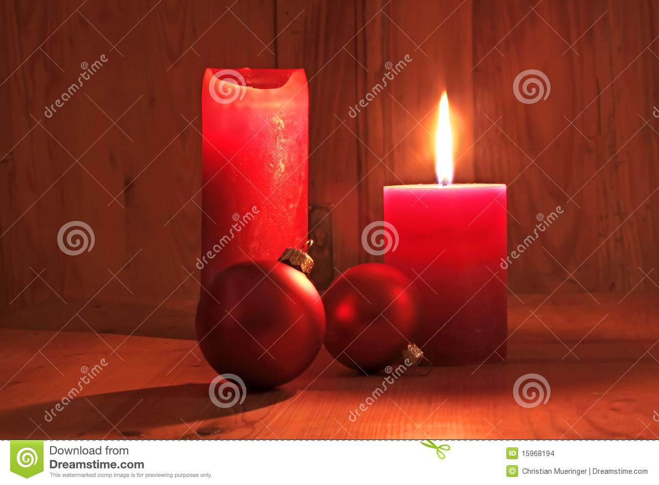 Red candles and Christmas balls