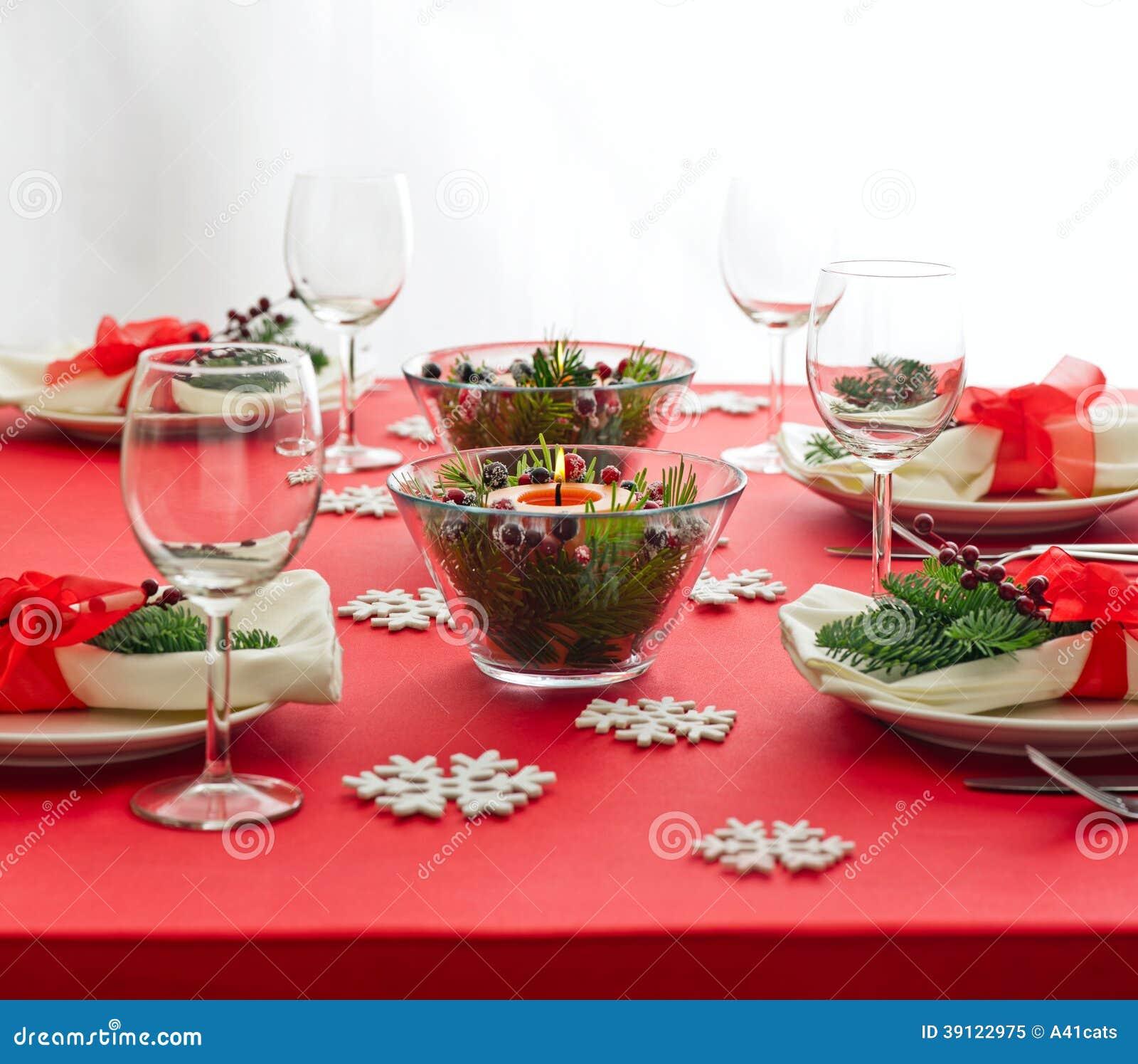 Red Christmas Dinner Table Setup Stock Photo Image 39122975