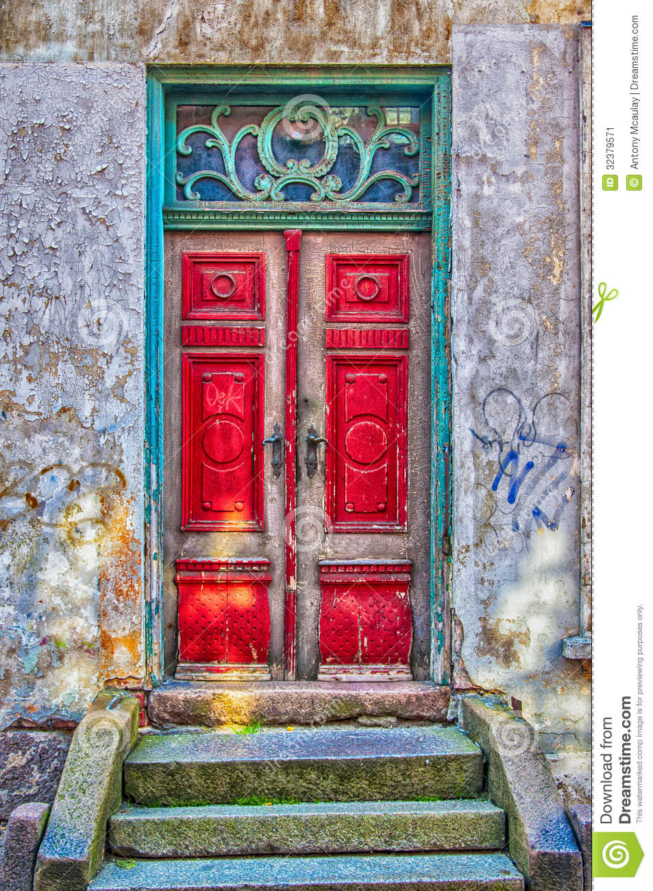 Red Door Green Frame Stock Image Of Entrance Building 32379571