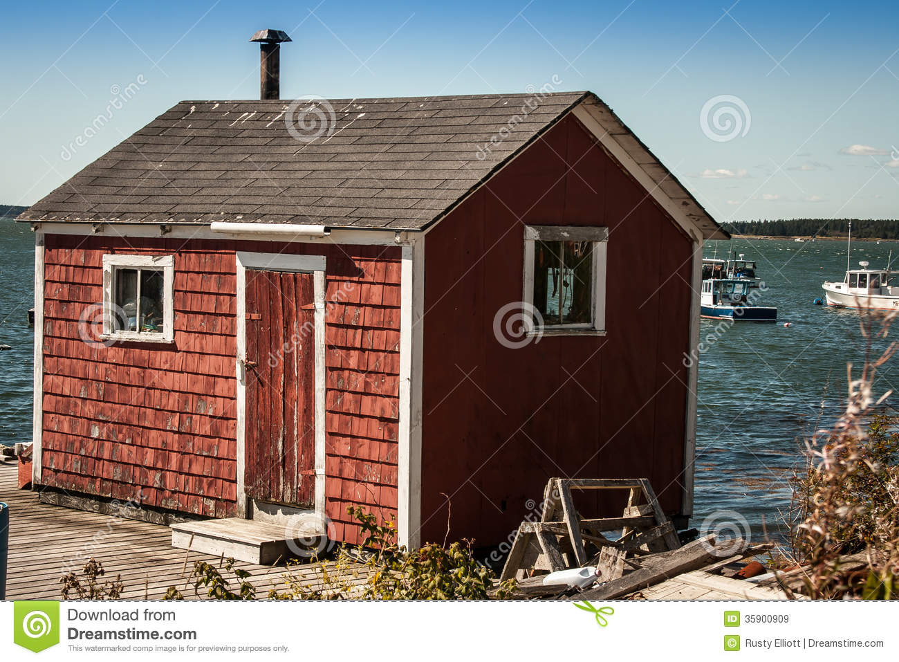 Red Fishing Shack Royalty Free Stock Images - Image: 35900909