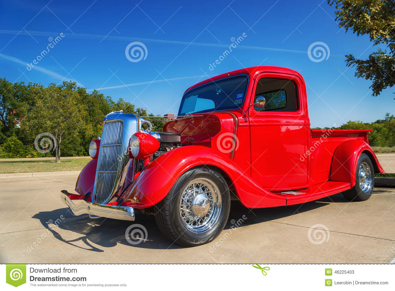 Classic Pickup Truck Side View Cartoon Vector