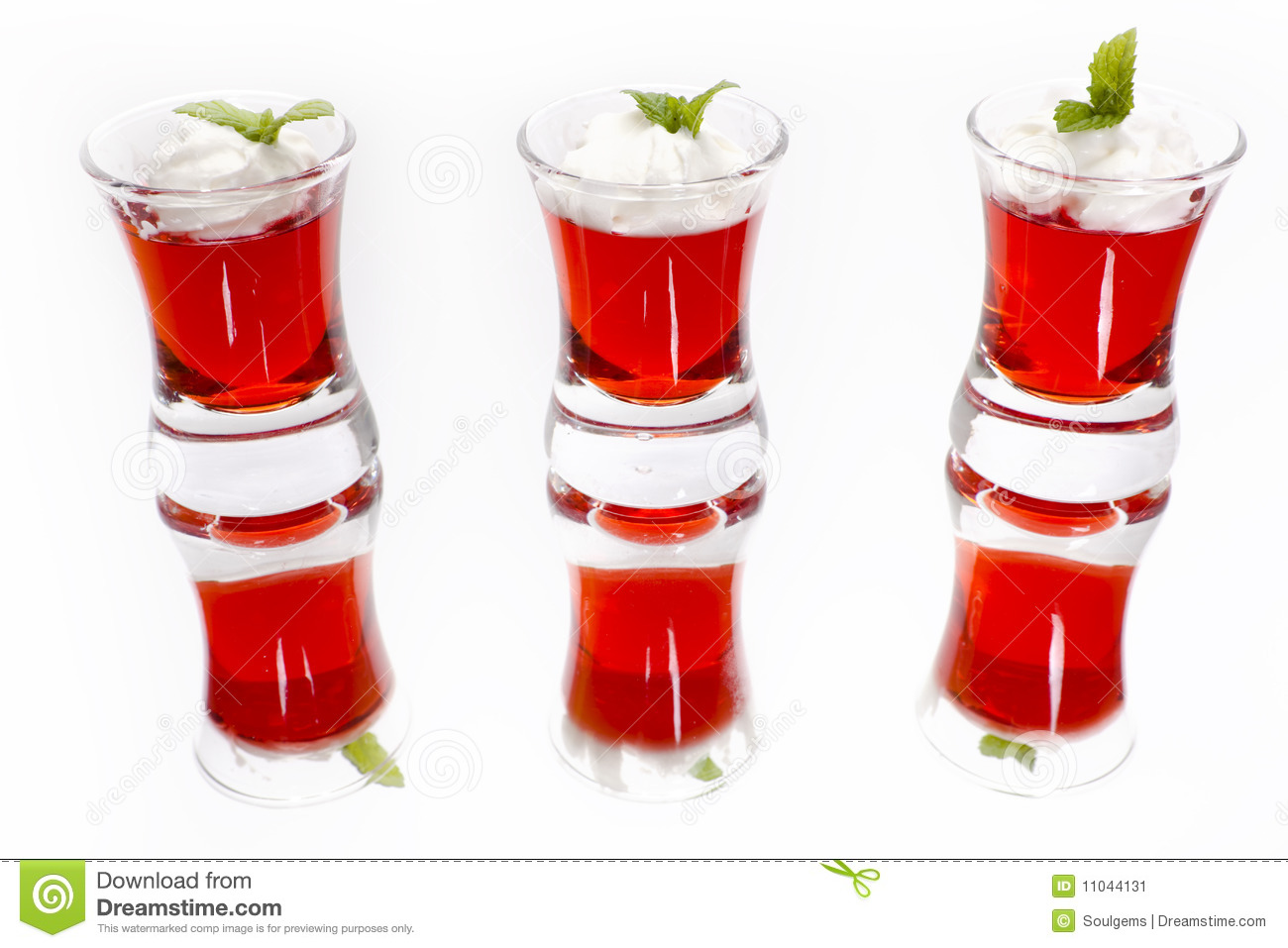Red Fruit Jelly Desserts