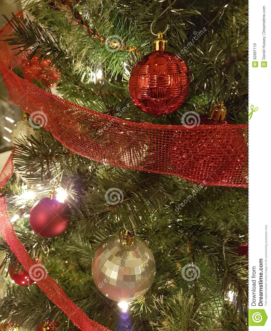 Red And Gold Christmas Trees: Red And Gold Christmas Ball Tree Decoration Stock Image