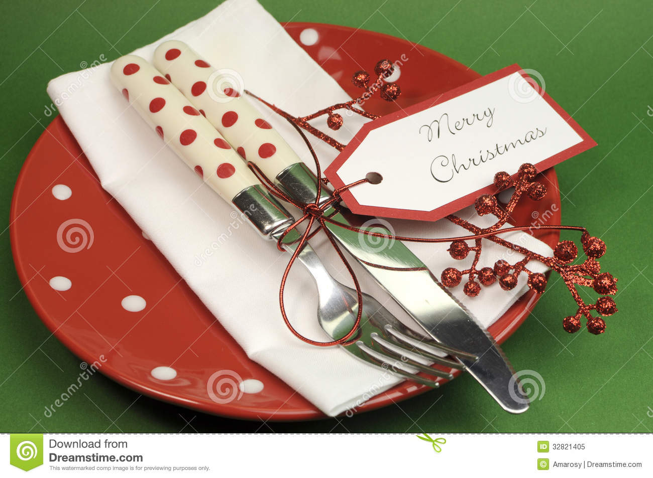 ... red and green Merry Christmas dinner or lunch table place setting
