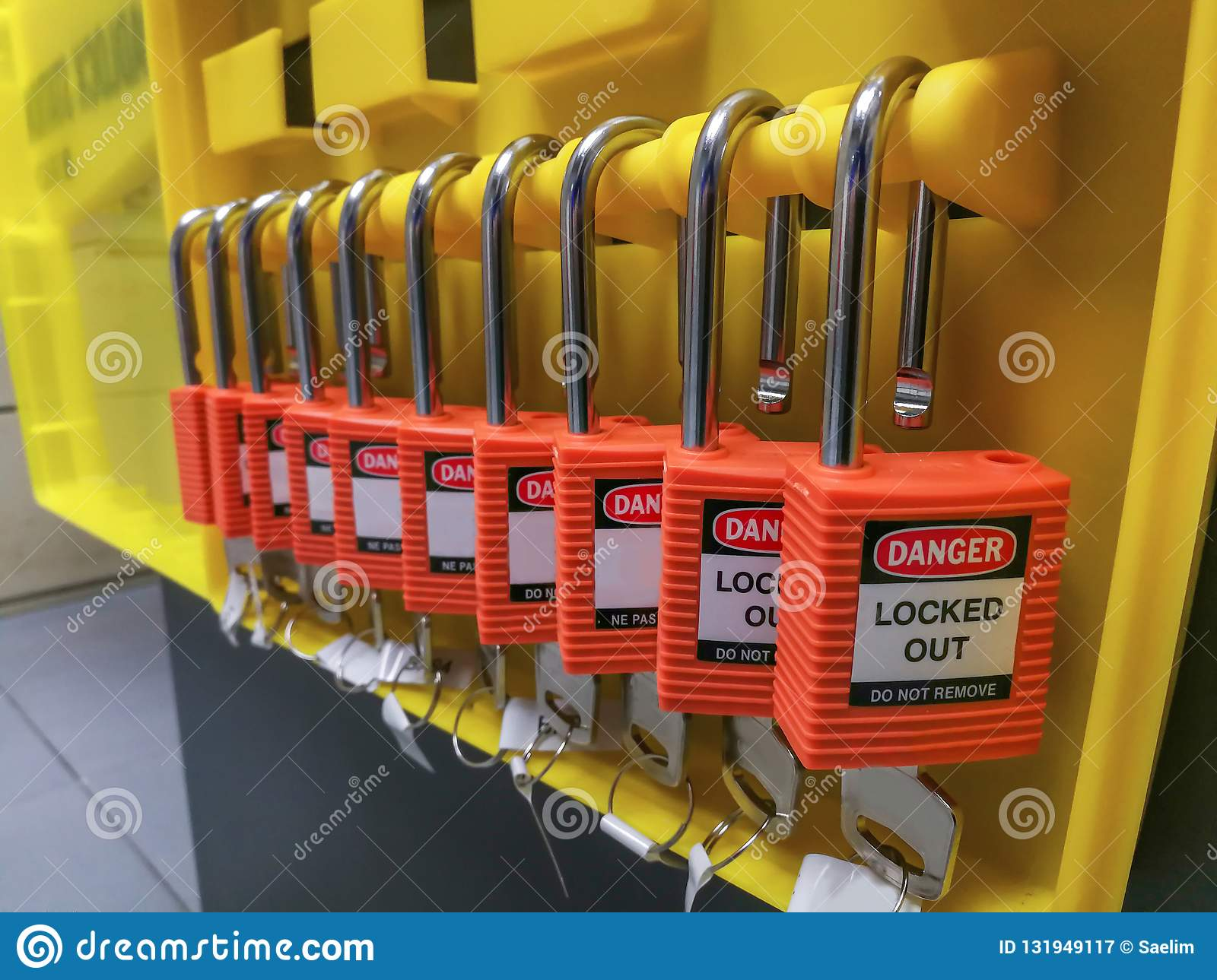 Red key lock and tag for process cut off electrical,the toggle t