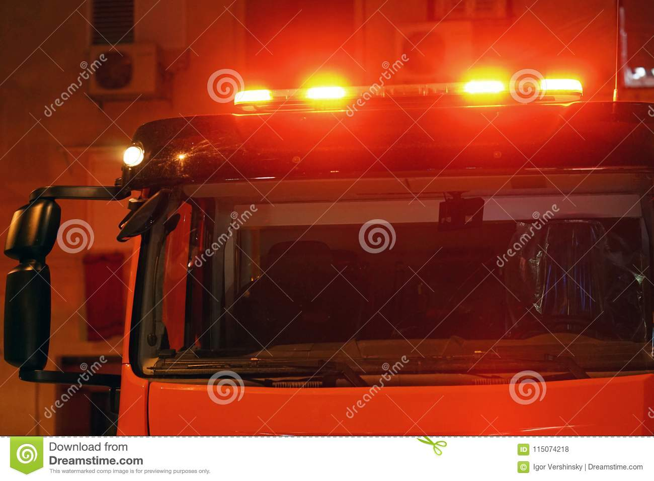 Red lights on top of Fire engine car