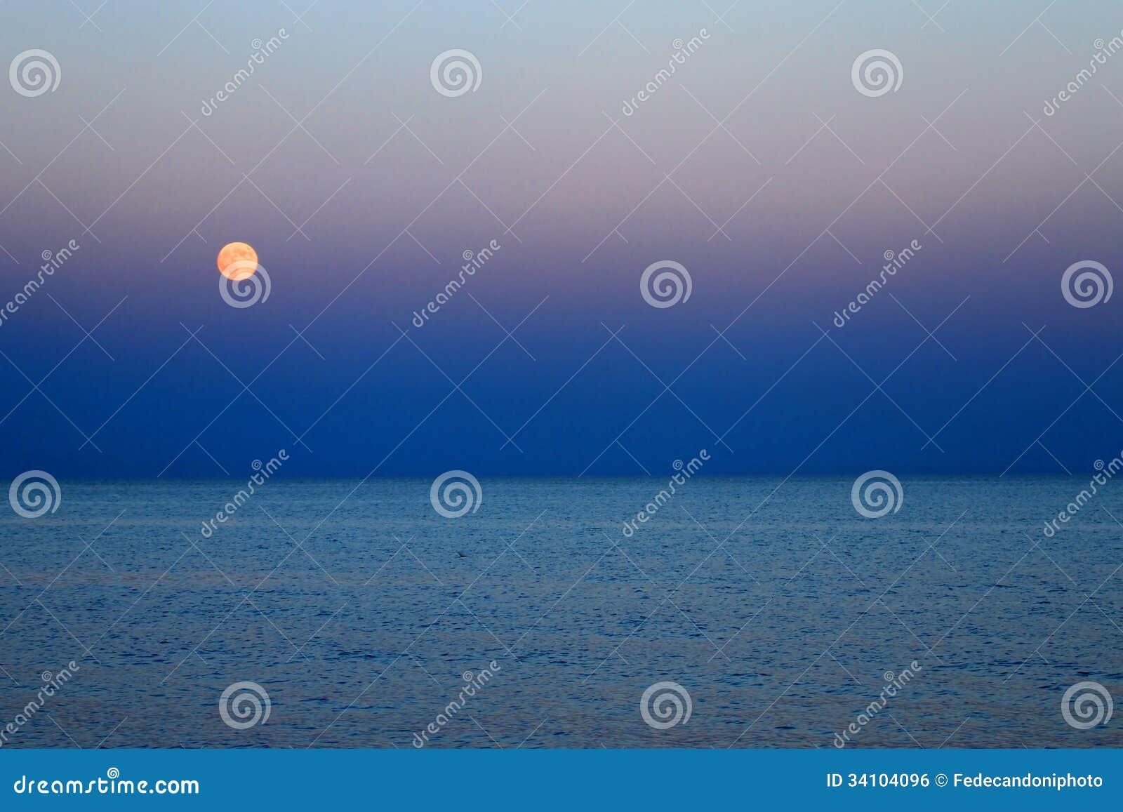 red moon blue sea - photo #25