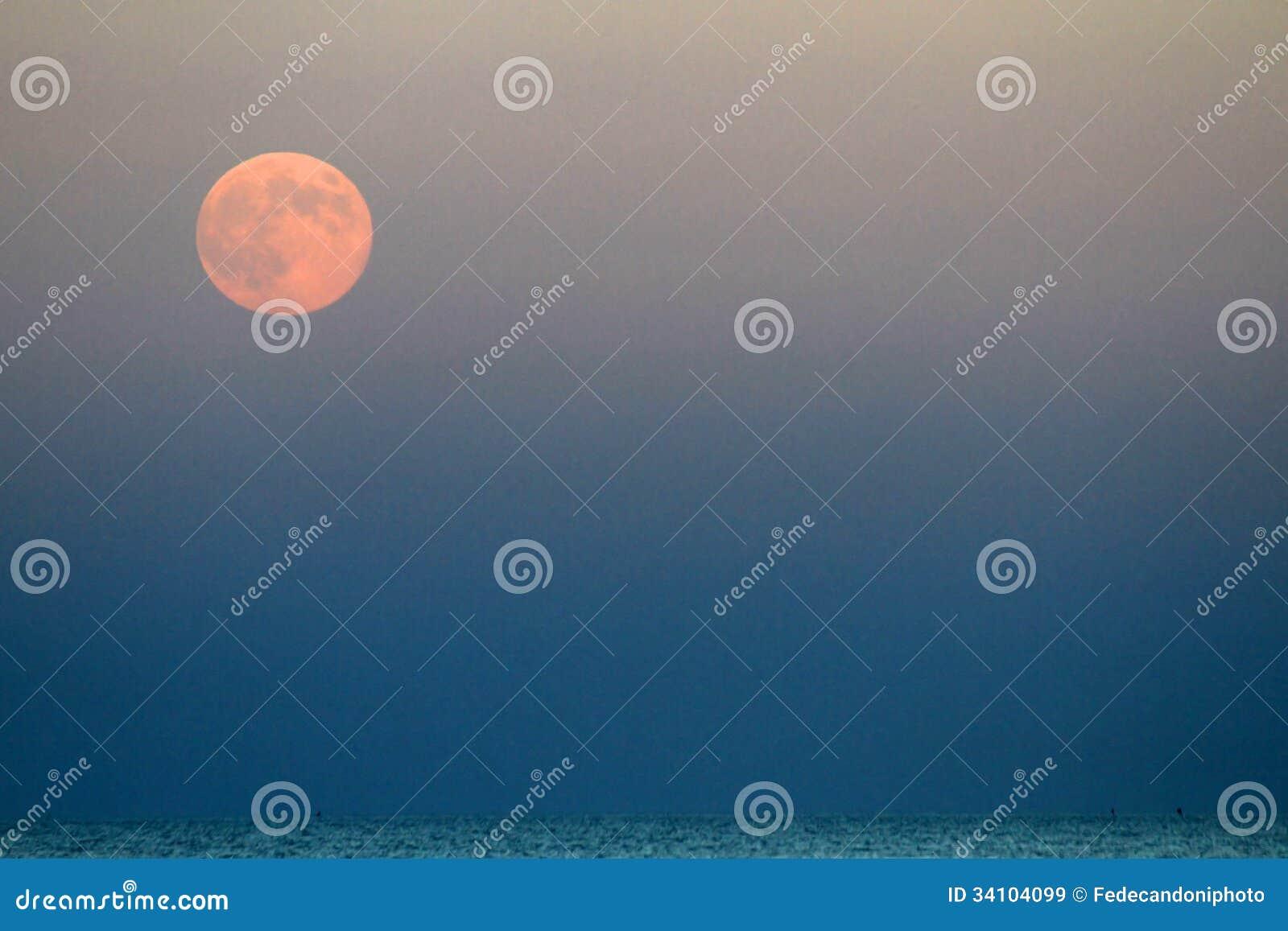red moon blue sea - photo #29