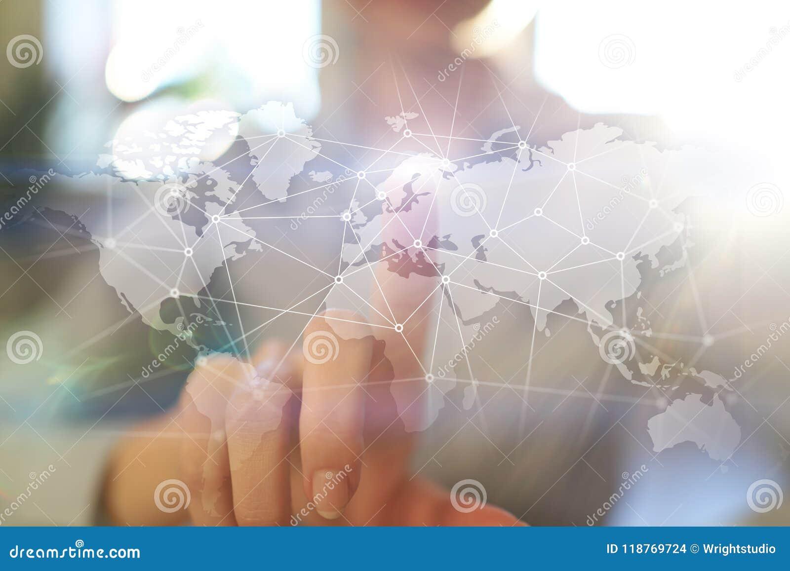 Red mundial en la pantalla virtual Mapa del mundo e iconos Concepto del Internet Medios sociales y comunicación global