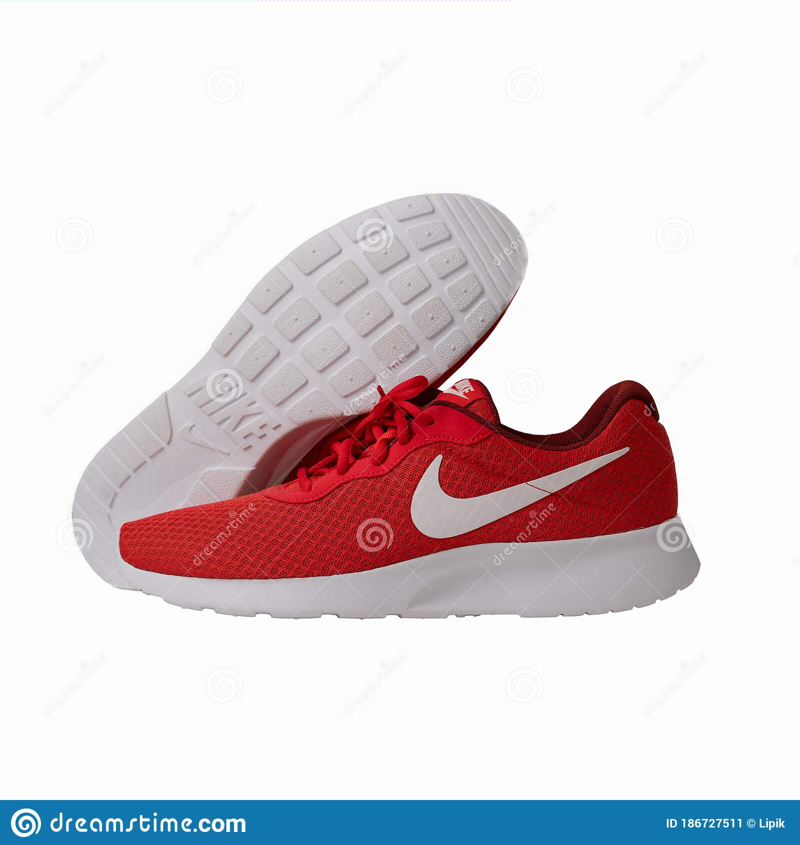 Silla Una buena amiga adoptar  Red Nike Brand Sneakers. Popular Lightweight Shoes Model Lace-up Model For  Fitness And Jogging With Red Top And White Editorial Photo - Image of  footwear, logo: 186727511