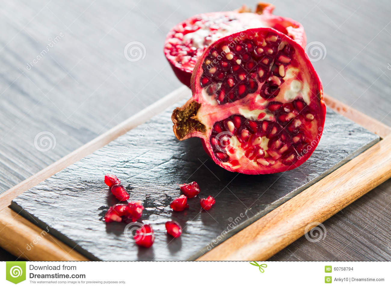 how to properly cut up a pomegranate