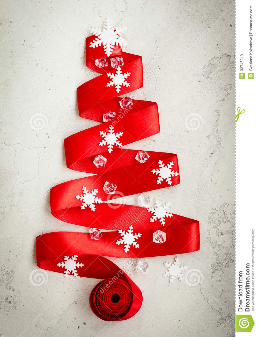 Red ribbon christmas tree royalty free stock images for Red ribbon around tree
