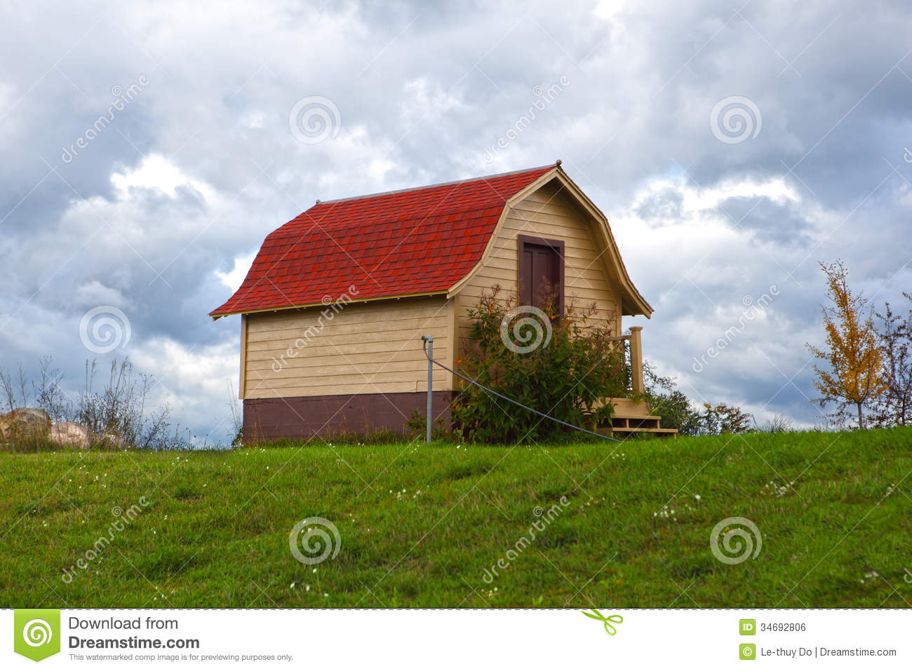 Red Roof Barn Stock Photo Image Of Wood Landscape Scene