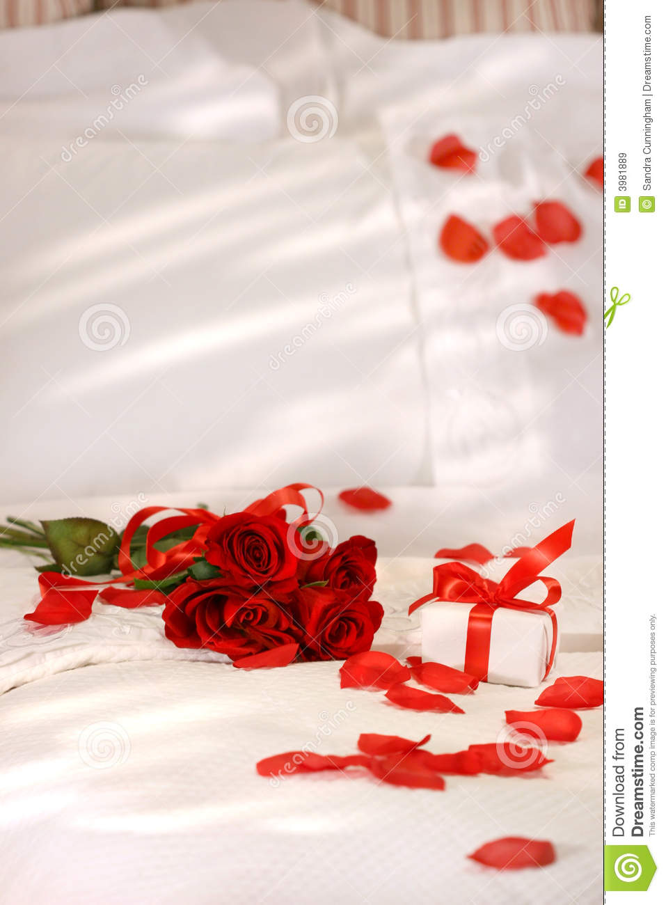 Red Roses On A Bed Stock Image Image Of Valentine